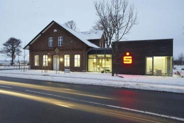 Spar- und Leihkasse zu Bredstedt, Filiale Langenhorn. Entwurf: BancArt GmbH