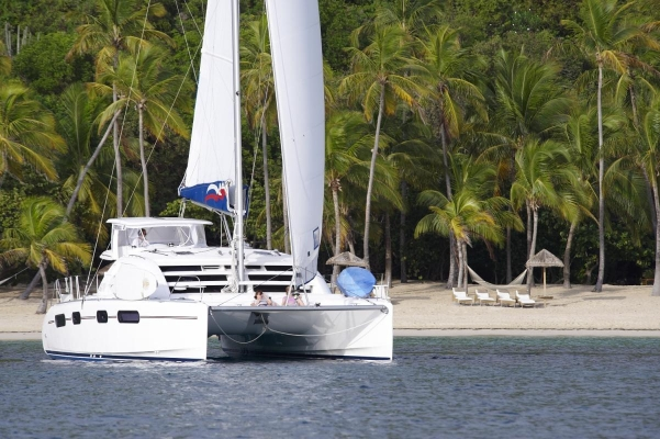 Deadman's Bay, Peter Island, Moorings Katamaran 4600, British Virgin Islands