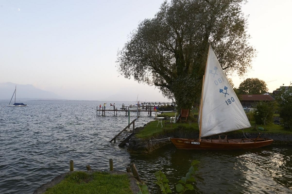 Segelboot Chimsee-Plaette, Fraueninsel, Chiemsee, Bayern, Deutschland