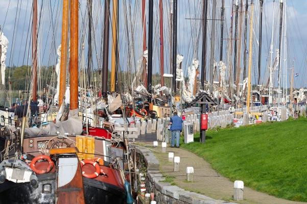 Plattbodenschiffe, Makkum, Friesland, Holland