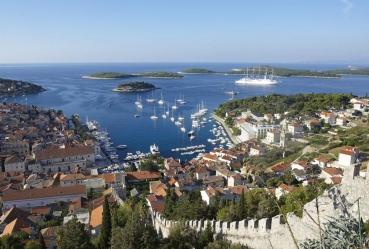 Stadt Hvar, mit Inseln Pakleni otoci, Insel Hvar, Kroatien