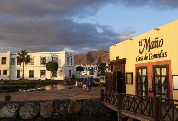 Marina Rubicon, bei Playa Blanca, Suedkueste Lanzarote, Kanarische Inseln, Spanien