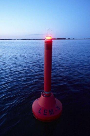 Fahrwasserbetonnung, Zufahrt Yachthafen Lemkenhafen, Insel Fehmarn, Schleswig-Holstein