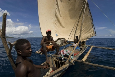 Auslegerboot vor Festlandsküste Madagaskar
