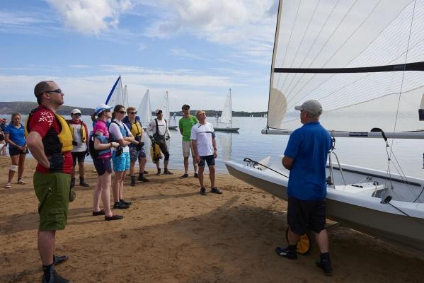 Pete Vincent, Segellehrer, Segel- und Windsurfcenter Minorca Sailing, Bucht von Fornells, Fornells, Insel Menorca, Balearen, Spanien