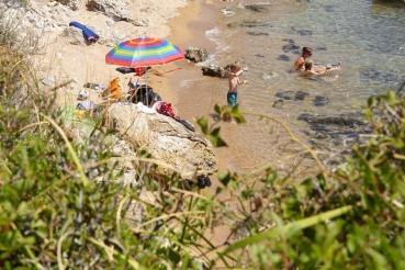 Badebucht bei Stoupa, Messenischischer Golf,  Peloponnes, Griechenland, Sommer 2009
