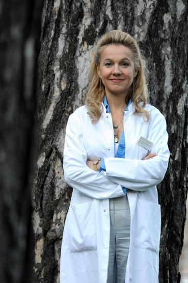 Dr. Aglaja Stirn, Professorin, Medizinerin