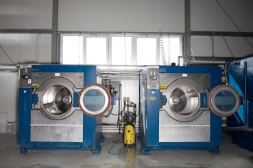 Segelreinigung, Firma NovoSail GmbH, Schoenberg