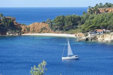Bucht Tzortzi Gialos, Ostkueste Alonnisos, noerdliche Sporaden, Griechenland