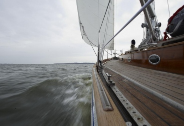 "SY ""Taifun"", Barth, 05.04.11, Autor: Lasse Johannsen/Dieter Loibner"