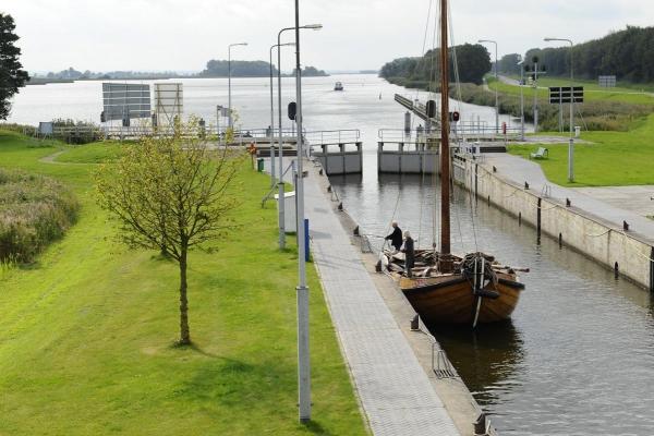 Roggebotssluis, Holland