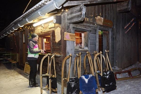 Huette, Kiosk, Nachtrodeln, Schlitten fahren, laengste Rodelbahn im Zillertal, Gerlossteinbahn, Zillertal, Tirol, Oesterreich