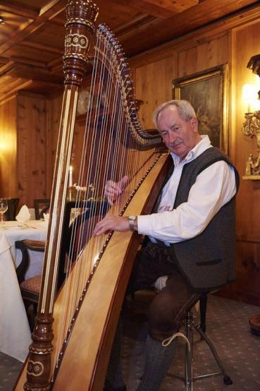 Harvenspieler, Speisesaal, Abendunterhaltung, 5-Sterne-Hotel Theresa, Zell am Ziller, Zillertal, Tirol, Oesterreich